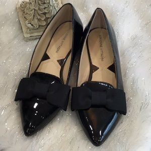 Adrienne Vittadini patent leather bow pointed